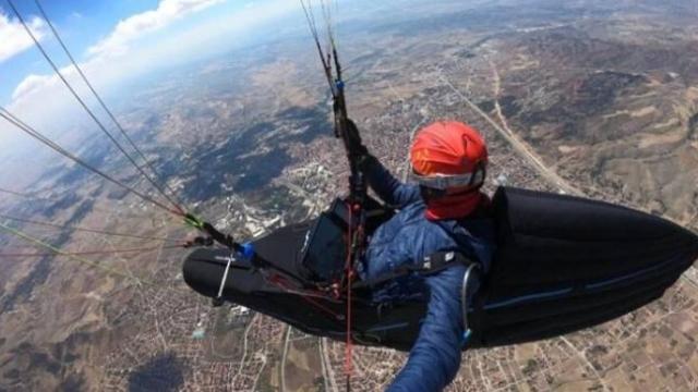 Çorum'dan Konya'ya yamaç paraşütü ile uçtu