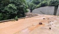 Trabzon'da şiddetli yağış heyelana yol açtı