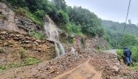 Giresun'da şiddetli yağış heyelana yol açtı