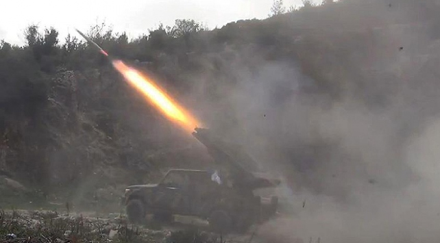 Yemende Husiler Marib kentini balistik füzeyle hedef aldı