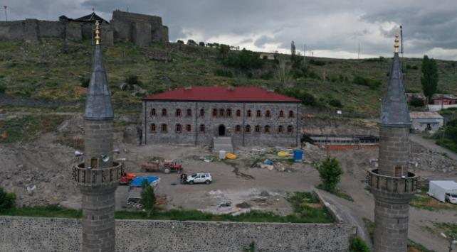Tarihe tanıklık eden Beylerbeyi Sarayı eski ihtişamına kavuşuyor