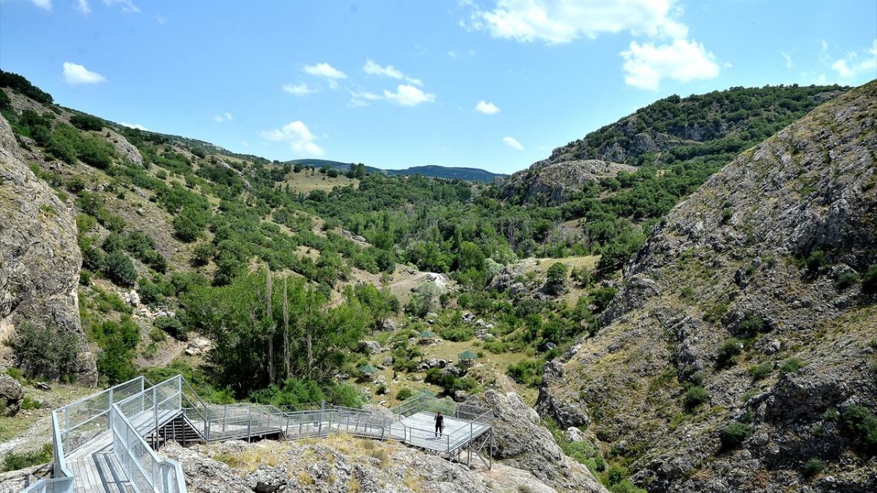 Hititler'in başkenti Hattuşa'nın binlerce yıllık kalıntıları 'seyir terası'ndan izlenecek