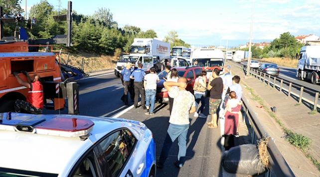 Anadolu Otoyolundaki zincirleme kaza trafiği aksattı