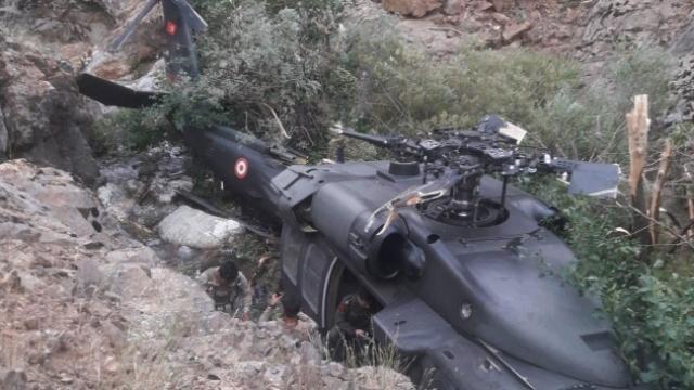 Operasyondan dönen helikopter zorunlu iniş yaptı