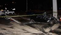 Otomobil direğe çarptı, 4 kişi yaralandı