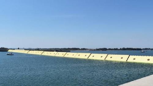 Venedik'i sular altında kalmaktan koruyacak proje ilk kez test edildi