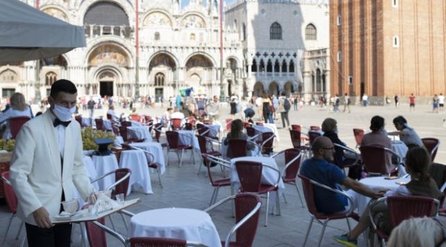 İtalyada Covid-19 kaynaklı can kaybı 34 bin 938e yükseldi