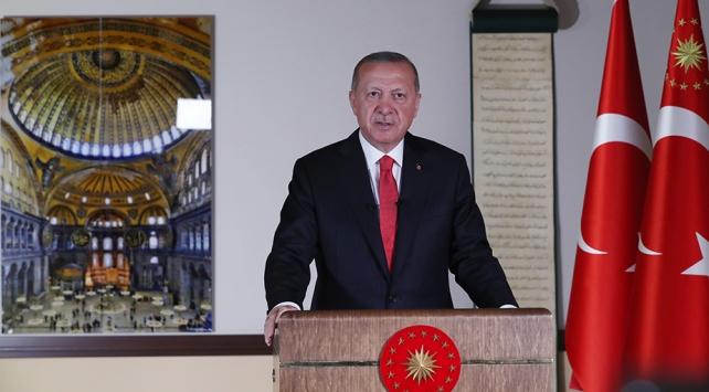 Cumhurbaşkanı Erdoğan tarih verdi: Ayasofyada ilk namaz 24 Temmuzda