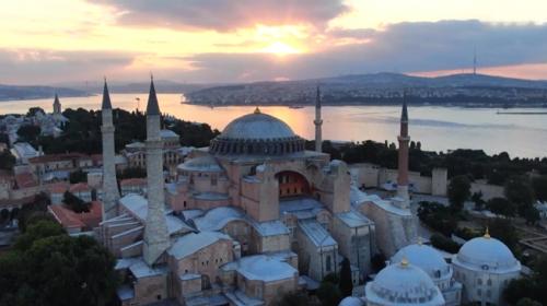 Ayasofya Camii'nde gün doğumu