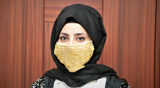 Altın işlemeli maske 14 bin liraya satılıyor