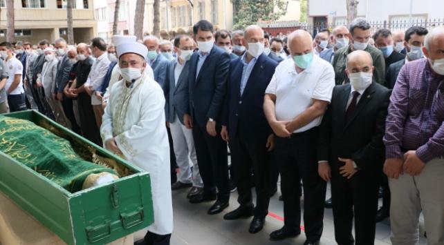 Bakan Soylunun kayınpederi Metin Dinçin cenazesi defnedildi