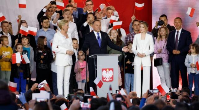Polonyada cumhurbaşkanlığı seçimini Duda kazandı