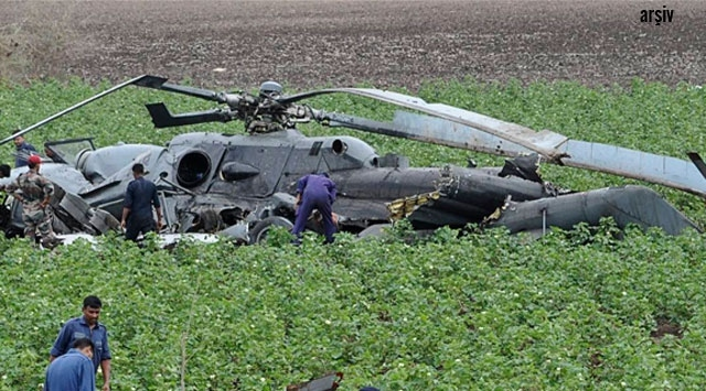 Kenyada askeri helikopter düştü: 2 ölü