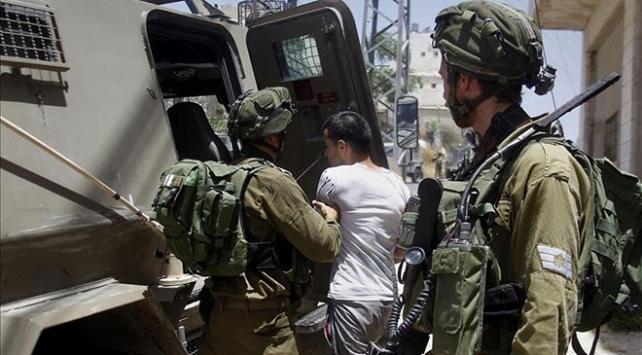 İsrail 2020nin ilk yarısında 2 bin 330 Filistinliyi gözaltına aldı