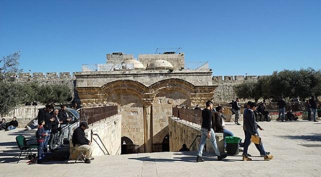 Filistinden İsrailin Rahmet Kapısı Mescidini kapatma kararına kınama