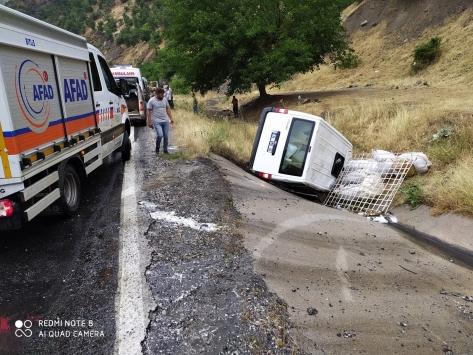 Bitliste trafik kazası: 3 yaralı