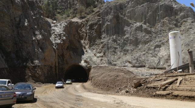 Artvin-Erzurum yolu ulaşıma açıldı