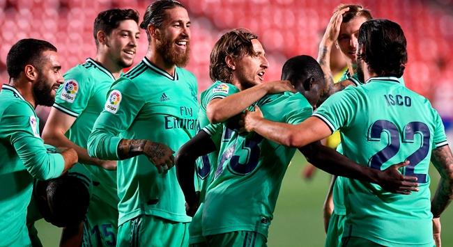 Real Madridin lig şampiyonluğuna bir adım kaldı