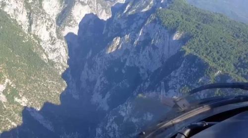 Kanyonda mahsur kalan kişi helikopterle kurtarıldı
