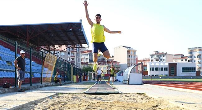 Batuhan Çakırın hedefi üç adım atlamada dünya şampiyonluğu