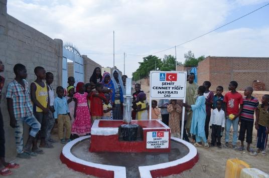 Afrikada açılan su kuyularına 15 Temmuz şehitlerinin isimleri verildi