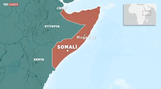 Somalide uçak havaalanına inişi sırasında kaza yaptı