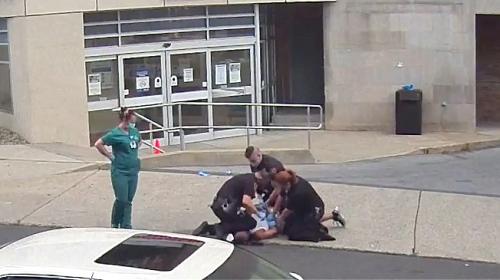 Pensilvanya'da polis şiddeti kamerada