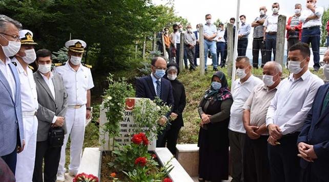 15 Temmuz şehitleri mezarları başında anıldı