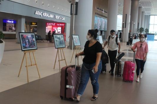 İstanbul Havalimanında 15 Temmuz fotoğrafları sergisi açıldı