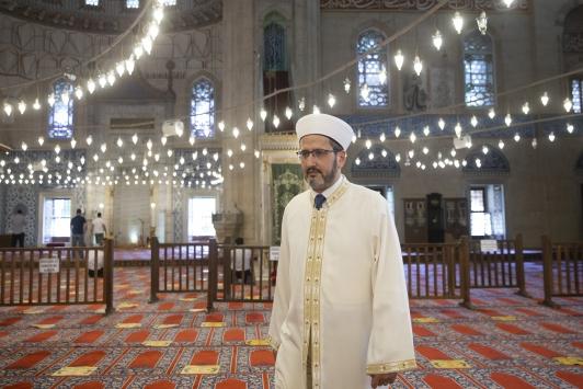 Selayı susturmak isteyen kişiye izin vermeyen imam, yaşadıklarını anlattı