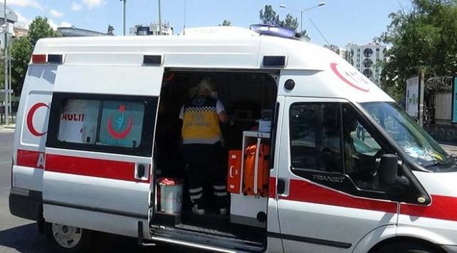 Uşakta minibüs devrildi: 1 ölü, 7 yaralı