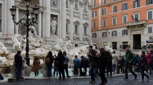 İtalyada Covid-19 vaka sayısı 243 bin 344e ulaştı