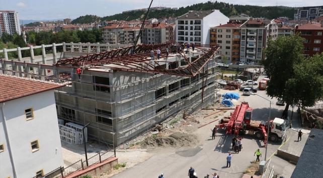 Kastamonuda spor salonu inşaatının çelik çatısı çöktü: 1 ölü, 1 yaralı