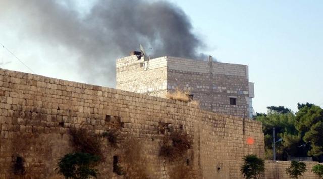Savaş, bine yakın camiyi yıktı