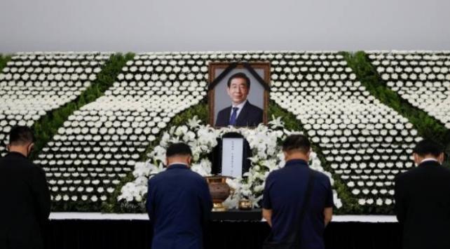 Seulde ölü bulunan belediye başkanı hakkında cinsel istismar iddialarıyla ilgili soruşturma