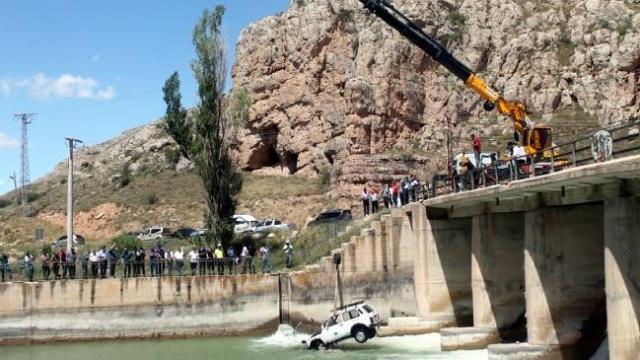 Çoruh Nehri'ne cip devrildi: 2'si ağır 6 kişi yaralandı