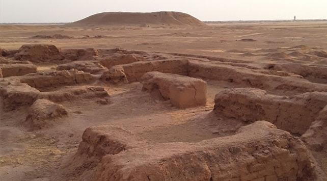 Fransız arkeologlar Suriyede gizli kazı çalışması yapıyor