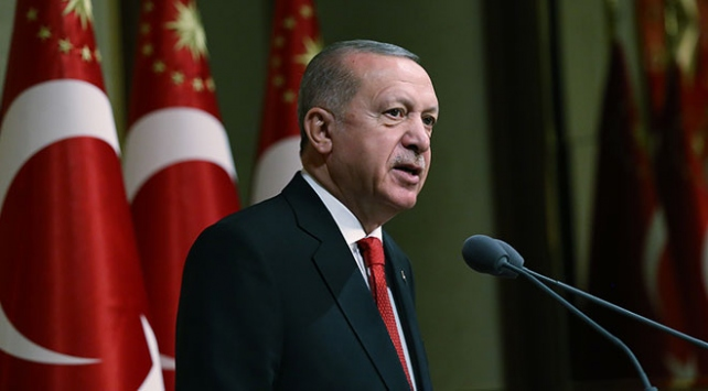 Cumhurbaşkanı Erdoğan: Bayrağımızı indiremeyecekler