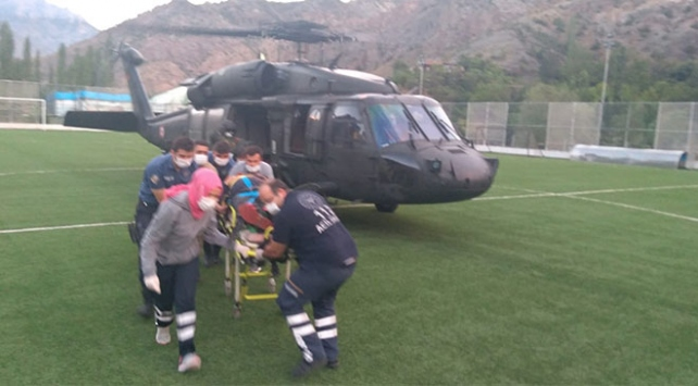 Yaralı dağcının imdadına askeri helikopter yetişti