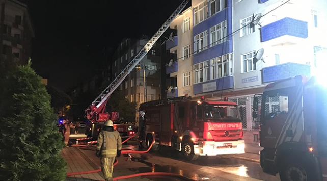 İstanbul Sancaktepede çatı yangını