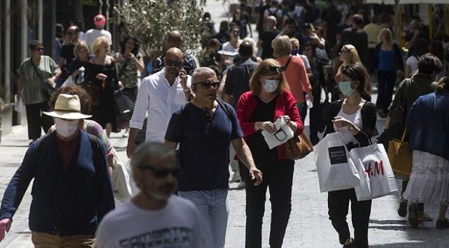 Yunanistan, COVID-19 tedbirlerini sıkılaştırmayı planlıyor