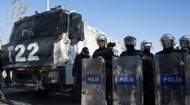 Bitliste toplantı ve gösteri yürüyüşleri 15 gün yasaklandı
