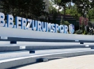 Erzurum'un kent meydanı mavibeyazlı renklerle süslendi