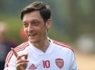 Mesut Özil'e 5 ülkeden teklif