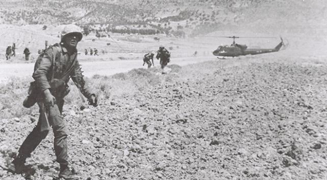 MSBden Kıbrıs Barış Harekatının yıl dönümüne özel tarihi fotoğraflar