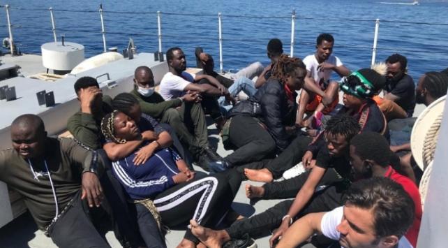 """""""Yunanistan sığınmacıları zorla Türkiyeye geri gönderiyor"""""""
