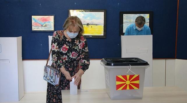 Kuzey Makedonyada erken genel seçimin sonuçları belli oldu