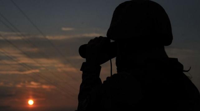 Fırat Kalkanı bölgesinde 2 terörist gözaltına alındı