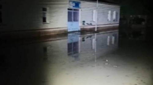 Erzurum'da sel: Okul ve cami bahçesi sular altında kaldı