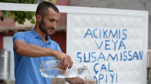 Mardin'de acıkan ve susayan bu kapıyı çalıyor